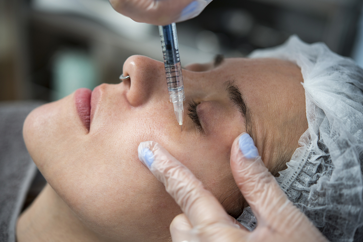 Plasma rico en plaquetas - Tratamiento facial para el rejuvenecimiento de la piel - Fotografía en PB Clinical
